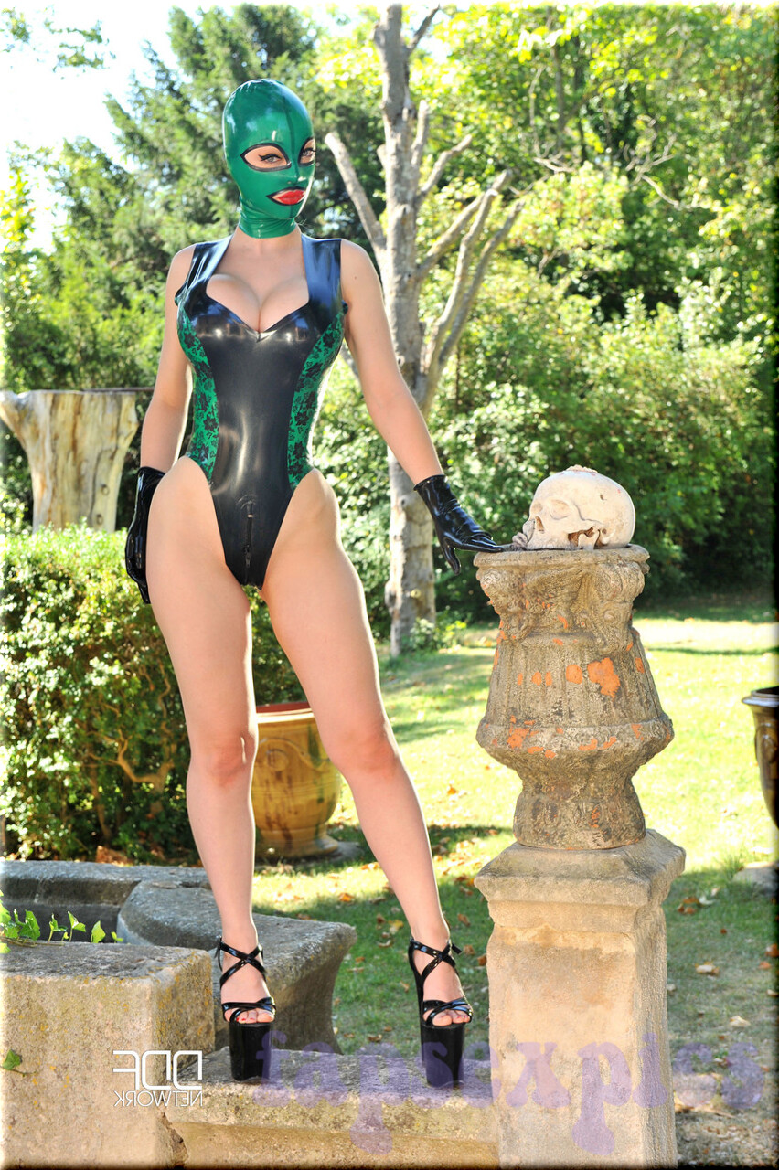 Lucy latex Latex Lucy: